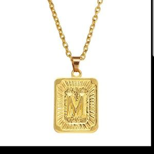 Luxury initial necklace letter M new